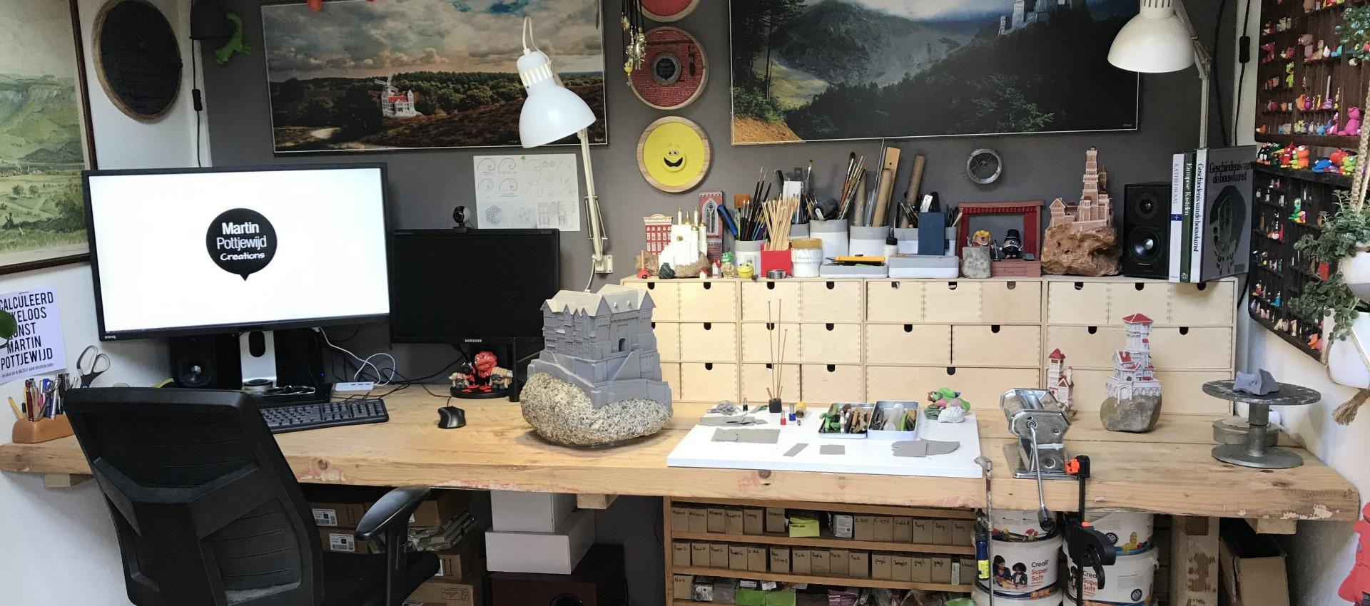 Freelance grafisch vormgever en kleikunstenaar